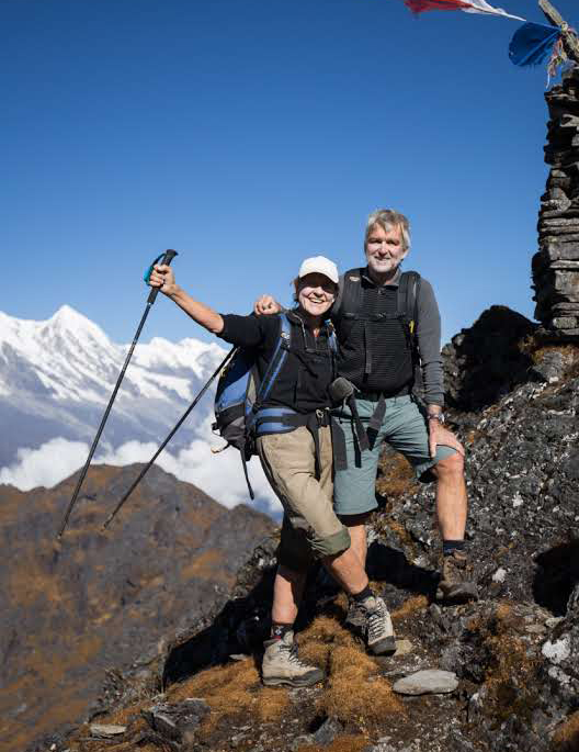 Jan and Andy Lindsay trekking to Mera Peak in Nepal. Lung Cancer