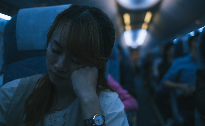 """Two internal """"clocks"""" determine whether we suffer from jet lag after traveling across time zones."""