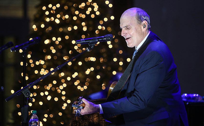 Musician James Taylor performed at A Decade of Discovery, a December 2016 gala benefiting the Mass General Cancer Center.