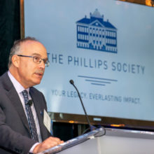 Daniel Haber, MD, PhD, director of the Massachusetts General Hospital Cancer Center, was the featured speaker at the 13th annual Phillips Society luncheon.