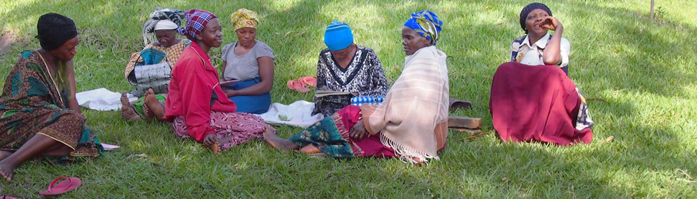 global-health-rotator-african-women-child-1400-400