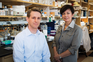 Dr. Randy Peterson, PhD and Dr. Sylvie Breton, PhD in Dr. Breton's Simches Lab
